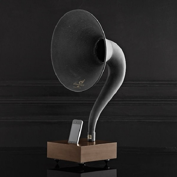 Squee iPhone Gramophone