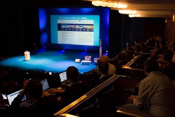 Audience in Janaček Theatre (Photos: Marketing Festival)