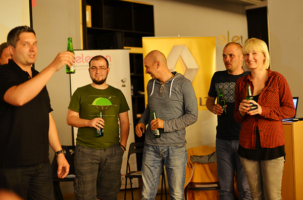 Celebrating with the winning startup, Farmhopping! (Photo: Marina Filipovic Marinshe)